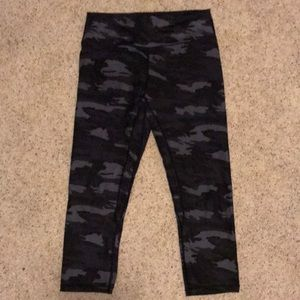 Til You Collapse Camo Effortless Crop Leggings